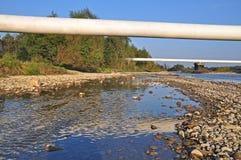 berg pipelines liten övergång två Royaltyfri Foto