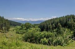 Berg Plana en mooi dorp Alino stock afbeelding