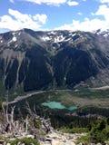 Berg Regenachtiger gebied stock afbeelding