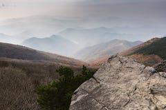 Berg runt om Gwangju Arkivfoto