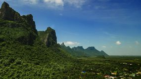 Berg Sam Roi Yot, Thailand royaltyfria foton