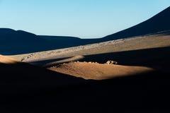 Berg, Schatten, Felsen an Atacama-Wüste Stockfoto