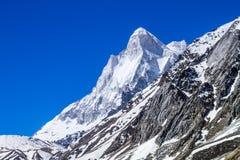 Berg Shivaling - indischer Himalaja lizenzfreie stockfotos