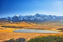 Berg sjö, Altai berg royaltyfri fotografi