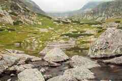 Berg sjö i höga Tatras arkivbilder