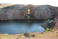 Berg sjö i stäpparna av den Orenburg regionen Royaltyfria Bilder