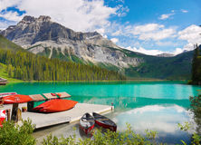 Berg sjö, landskap, nationalpark, Kanada Royaltyfri Fotografi