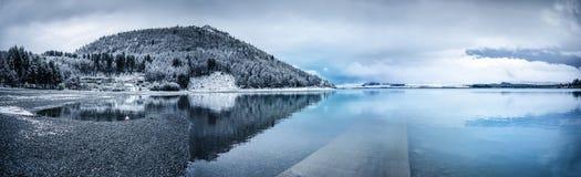 Berg sjö - Nya Zeeland Arkivbild