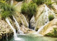 Berg sjö och vattenfall Royaltyfri Foto