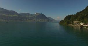 Berg sjö - Schweiz arkivfilmer