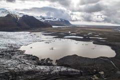 Berg, sjöar och is - Skaftafell nationalpark Arkivbilder