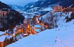 Berg skidar semesterortdåligan Gastein Österrike Royaltyfri Foto