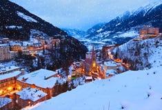 Berg skidar semesterortdåligan Gastein Österrike royaltyfria bilder