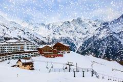 Berg skidar semesterorten Solden Österrike Royaltyfri Foto