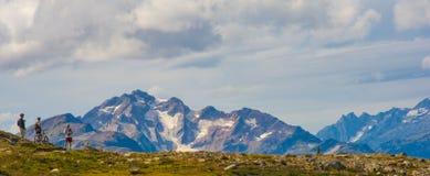 Berg som cyklar i kanadensiska mountians Arkivbilder
