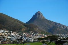 Berg som förbiser Cape Town Arkivbilder