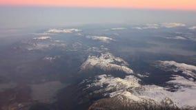 Berg som ses från över lager videofilmer