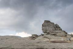 Berg sphynx en wolken Royalty-vrije Stock Afbeelding