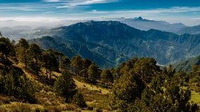 Berg Tajamulco som är störst i Guatemala och Arkivbilder