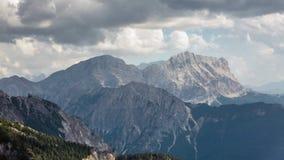 Berg tijd-tijdspanne: de zomer in de Italiaanse Alpen stock footage