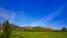 Berg und Golfplatz Montgo in Spanien lizenzfreie stockbilder