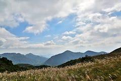 Berg und Himmel Stockfotos