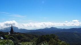 Berg und Pagode von Nord von Thailand Stockfotografie