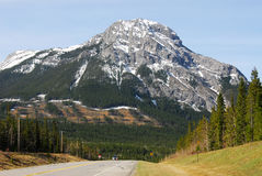 Berg und Straße Stockbild