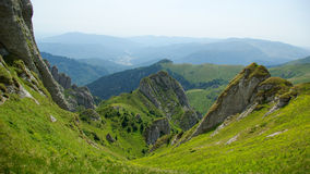 Berg und Wiesenlandschaft Stockfoto