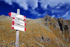 Berg unterzeichnet herein Adamello - alpine Gruppe Presanella Lizenzfreies Stockfoto
