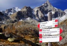 Berg unterzeichnet herein Adamello - alpine Gruppe Presanella Lizenzfreie Stockbilder