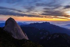 Berg van het Bukhansan de Nationale park Stock Foto