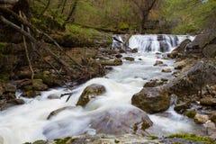 Berg waterfal Lizenzfreie Stockfotografie