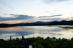 Berg in zonsondergang Stock Fotografie