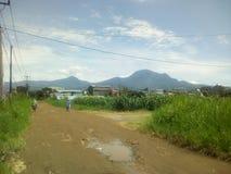 Bergachtergrond stock afbeeldingen