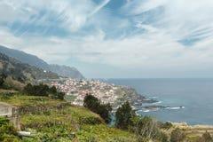 Bergachtige kust Royalty-vrije Stock Afbeelding