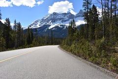 Bergachtige weg Royalty-vrije Stock Afbeeldingen