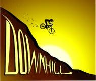 Bergaf fietser Stock Afbeeldingen