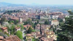 Bergame Un de la belle ville en Italie Aménagez en parc à la vieille ville de la colline de Vigilio de saint clips vidéos