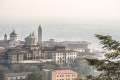 Bergamo övrestad - Citta Alta Royaltyfria Foton