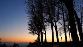 Bergamo, alte Stadt Italien Brennender Sonnenuntergang während der Herbstsaison an alter Tür Heilig-Giacomo Lizenzfreie Stockfotografie
