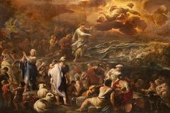 Bergamo - Bergamo - Passaggio del Mar Rosso door Luca Giordano. De kruising van de Rode overzeese vormkerk Santa Maria Maggiore Stock Afbeeldingen