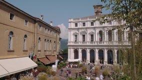 Bergamo, het paleis van Palazzo Nuovo in Italië stock videobeelden