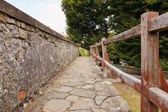 Bergamo, Itália - 18 de agosto de 2017: Ruas quietas e estreitas da cidade velha de Bergamo Imagem de Stock