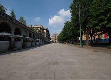 Bergamo Italië 25 Juni 2018: ` Sentierone ` de belangrijke straat in Bergamo, Lombardije Italië royalty-vrije stock afbeeldingen
