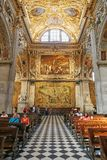 Bergamo, Italia - 18 agosto 2017: Di Santa Maria Maggiore, interno decorato della basilica del ` s di Bergamo dell'oro Fotografia Stock