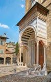 Bergamo, Italia - 18 agosto 2017: facciata della basilica di Santa Maria con un portico lussuoso Immagini Stock Libere da Diritti