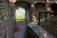 Bergamo, Italien - 18. August 2017: Das Schloss von La Rocca Bergamo ist im oberen Stadtteil auf dem Hügel des Heiligen Eup Stockfoto