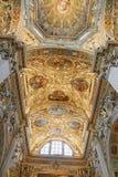 Bergamo Italien - Augusti 18, 2017: Di Santa Maria Maggiore, utsmyckad guld- inre för basilika för Bergamo ` s fotografering för bildbyråer