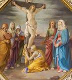 BERGAMO ITALIEN - SEPTEMBER 8, 2014: Korsfästelsefreskomålningen i kyrklig Santa Maria Immacolata delle Grazie Royaltyfri Bild